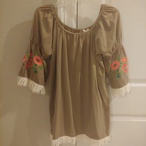 Umgee Floral Sleeve Print Tunic Size Medium Tunic